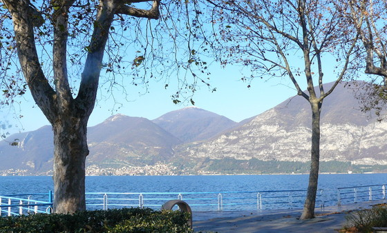 Iseo waterfront.JPG